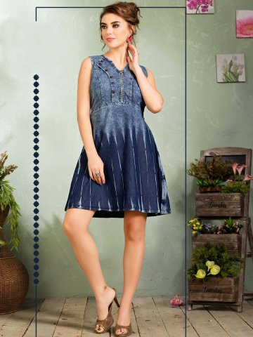https://static4.cilory.com/330723-thickbox_default/maxim-printed-blue-denim-dress.jpg