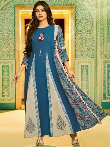 https://static2.cilory.com/399220-thickbox_default/blue-flared-long-kurti-with-tassels.jpg