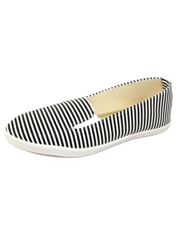 https://static3.cilory.com/407961-thickbox_default/black-white-slip-on-loafers.jpg
