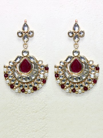 https://d38jde2cfwaolo.cloudfront.net/43092-thickbox_default/elegant-kundan-earrings.jpg