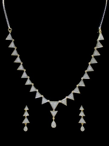 https://static3.cilory.com/67630-thickbox_default/american-dimaond-necklace-set-with-earrings.jpg