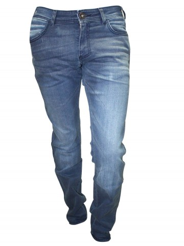 https://static2.cilory.com/86807-thickbox_default/wrangler-slim-fit-jeans-skanders.jpg