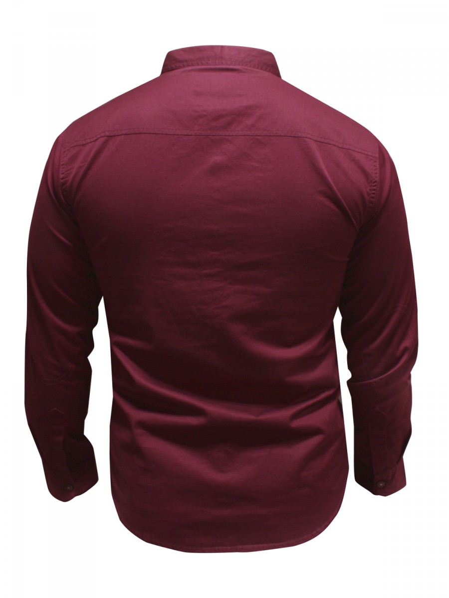 how to wear a maroon shirt men